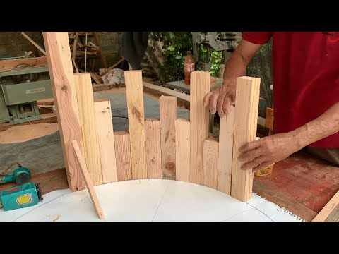 Inspiring DIY Ideas For Recycling Wooden Pallets // How To Make A Modern Simple Glass Loft Table